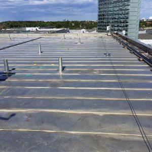 säker arbetsplats med vajersystem från Roofac